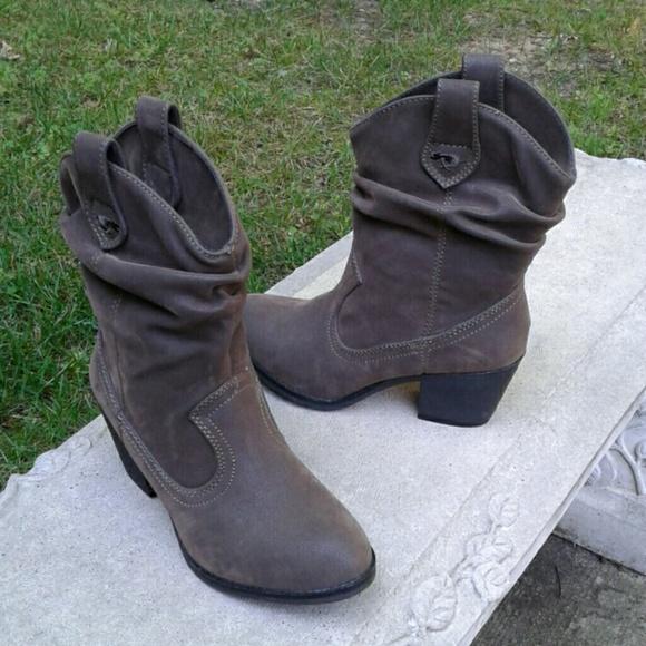 e2d523ee474 Rocket Dog Brown Distressed Scrunch Cowboy Boots